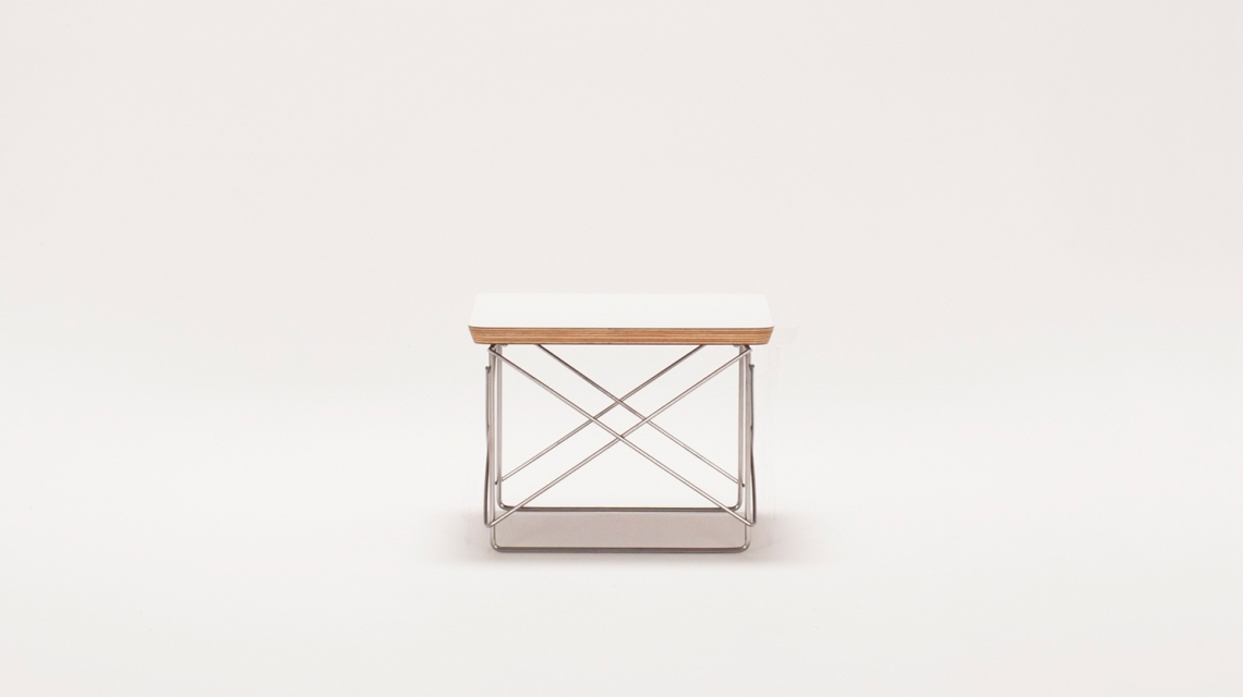 Eames® Wire Base Table'