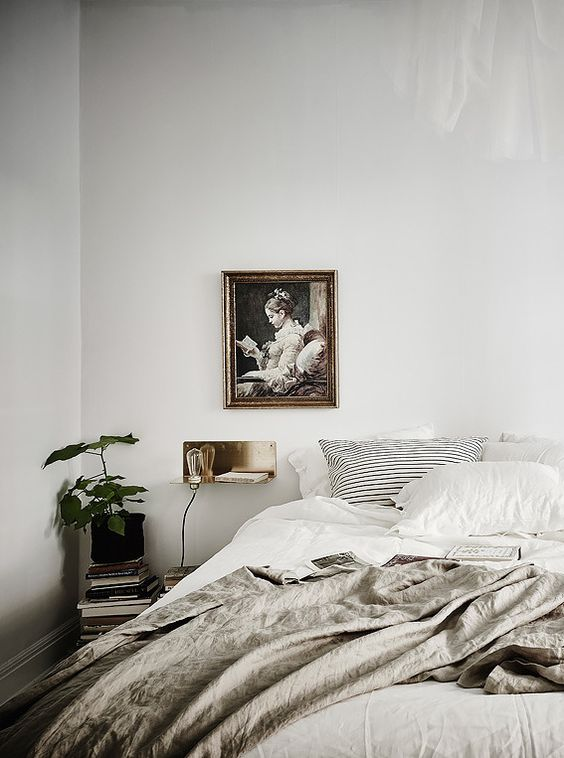 minimal styling bedroom