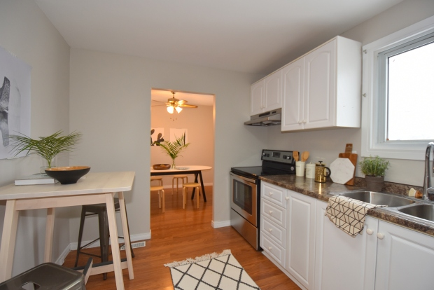 Kitchen staging, scandinavian style, modern style, dining room staging