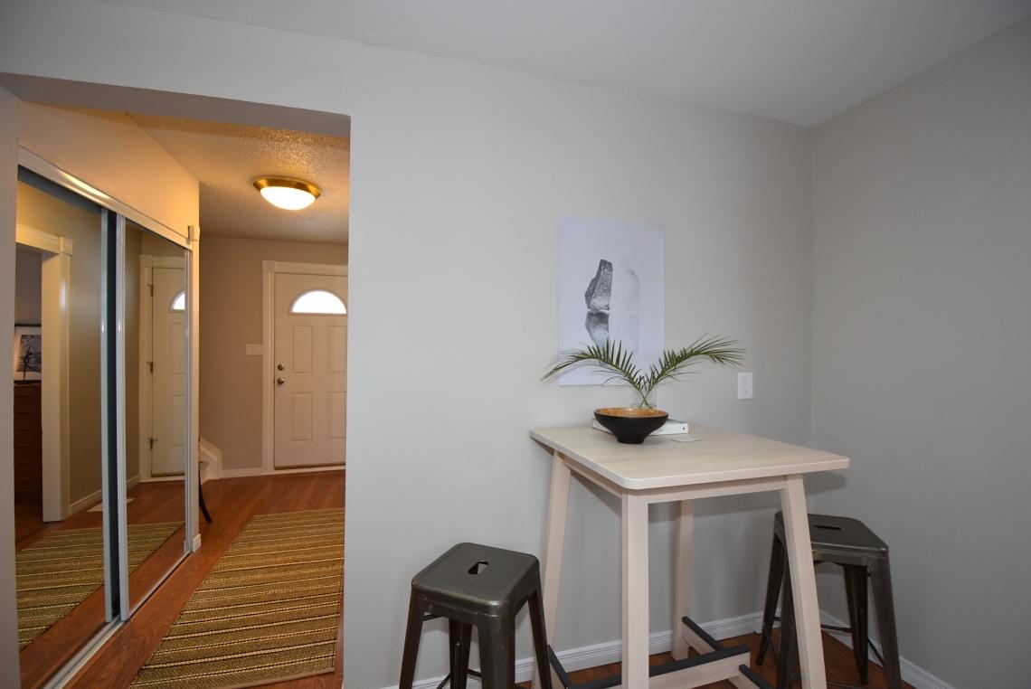 Kitchen staging, scandinavian style, modern style, dining nook staging, hallway