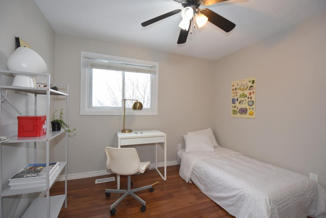 boy's bedroom home staging, scandinavian style, modern style